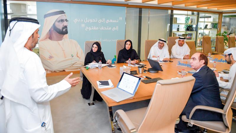 المري خلال لقائها الغويل في مكتبها حيث تم استعراض خطة احتفالية «دبي عاصمة الإعلام العربي 2020». من المصدر