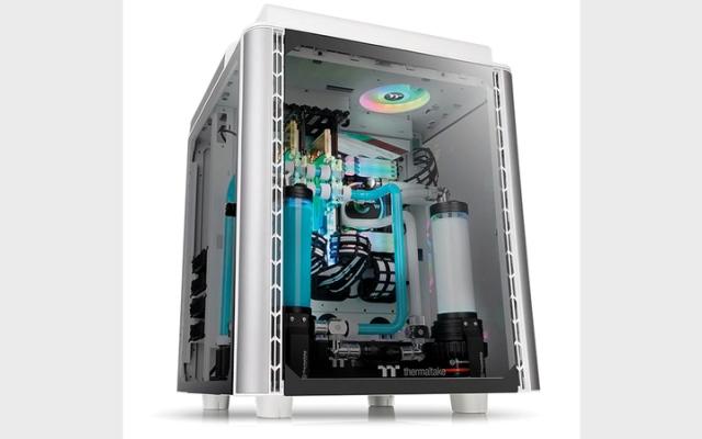 الصورة: الكشف عن صندوق حاسوب جديد بـ 4 جوانب زجاجية