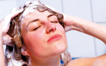 الصورة: نصائح لمحاربة جفاف الشعر