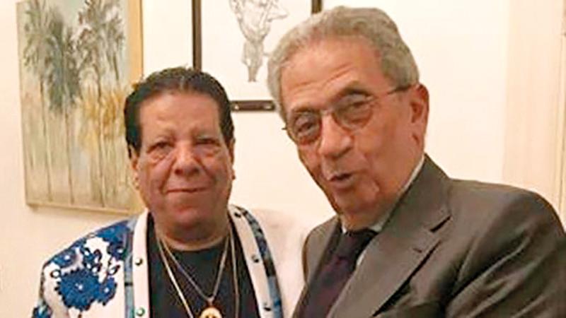 عمرو موسى وشعبان عبدالرحيم في لقاء سابق. أرشيفية