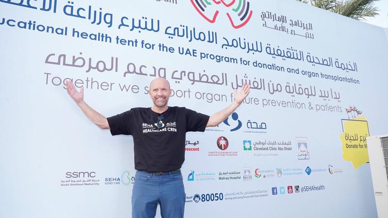 سايمون كيث (53 سنة) يلعب رياضة احترافية بعد خضوعه لعملية زرع قلب. من المصدر