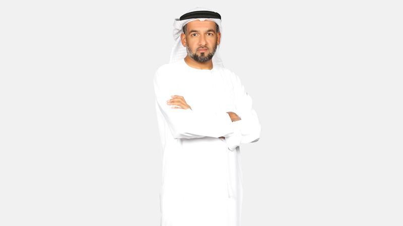 السميطي أكد أن أهمية الكتابة تكمن في القدرة  على معالجة المشكلات. الإمارات اليوم