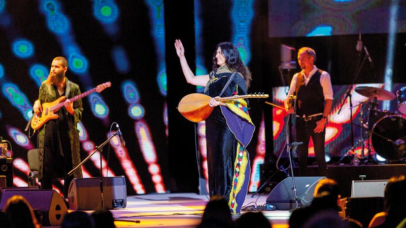 نادين الخالدي قادت فرقة «طرباند» القادمة من «مالمو» السويدية. من المصدر