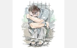 الصورة: «أبو عبدالرحمن» مهدّد بالسجن بسبب عجزه   عن سداد 21 ألف درهم