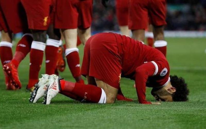 الصورة: بالفيديو والصور.. كيف تقنع أبناءك أن محمد صلاح أحرز هذا الهدف في دوري أبطال أوروبا