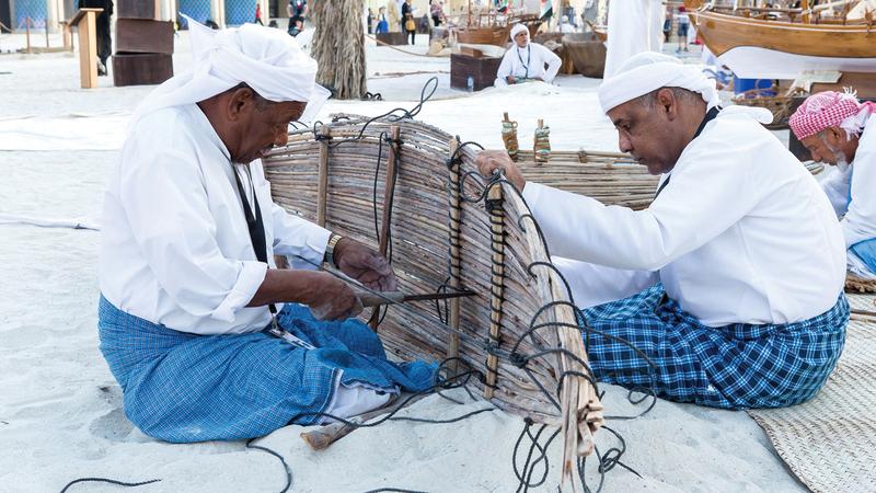 في المساحات الخارجية للقصر سيعرض حرفيون مهاراتهم اليدوية في صناعات تقليدية. من المصدر
