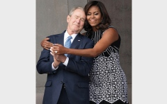 الصورة: ميشيل أوباما صديقة قديمة لجورج بوش الابن