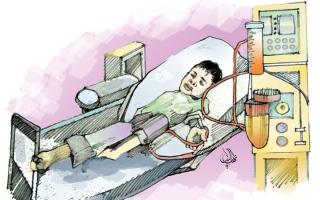 الصورة: «محمد» يعاني «الشلل الرباعي».. وكلفة علاجه 70.3 ألف درهم