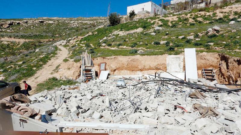 المنازل المهدمة تضمها إسرائيل لمساحات الأراضي الشاسعة التي تسيطر عليها. من المصدر