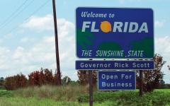 الصورة: متقاعدة فرنسية تبحث عن سائق لرحلة ترفيهية في فلوريدا