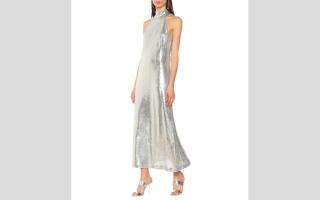 الصورة: خيار مثالي لحفلات رأس السنة.. الفستان المرصّع بالترتر