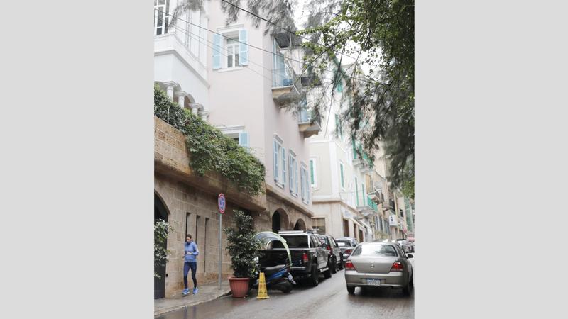 البيت الذي كشفت الوثائق أن غصن يملكه في بيروت وأنه لجأ إليه بعد وصوله إلى العاصمة اللبنانية.  أ.ف.ب