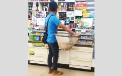 الصورة: تايلانديون يبدعون في إيجاد بدائل لأكياس البلاستيك