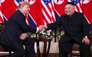 الصورة: ترامب يهنئ زعيم كوريا الشمالية بعيد ميلاده