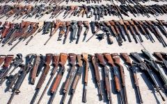 الصورة: ضبط 4500 قطعة سلاح في نقاط التفتيش بمطارات أميركية عام 2019