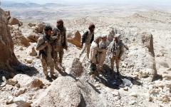 الصورة: الجيش اليمني يسيطر على جبل البياض في نهم