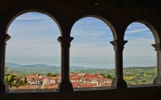 الصورة: قرية إيطالية أخرى تعرض منازل للبيع مقابل يورو واحد فقط