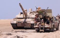 الصورة: القوات اليمنية تزحف باتجاه صنعاء من 3 جبهات