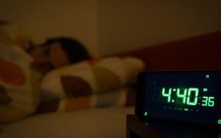 الصورة: دراسة: الأرق وصعوبات النوم مشاكل جينية تورث من الوالدين