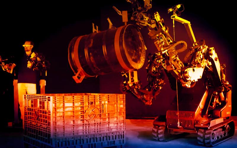 الصورة: بالفيديو.. روبوتات قابلة للارتداء تعزز القوة الجسدية 20 ضعفاً