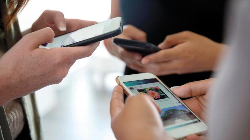 أسواق الهواتف الذكية ستشهد خلال فترة المعرض مظاهر انتعاش كبيرة في الطلب.  غيتي