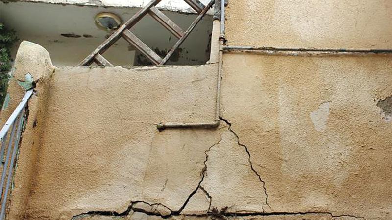 منازل حوش النيرسات المقدسي مهددة بالانهيار.  الإمارات اليوم