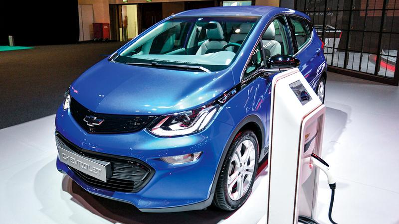 الاشتراطات تزيد من كلفة السيارات الكهربائية. تصوير: أشوك فيرما