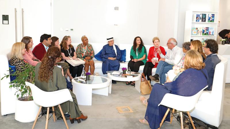 الكتّاب الإماراتيون شركاء دائمون في المحاضرات والندوات التي يستضيفها الحدث. من المصدر