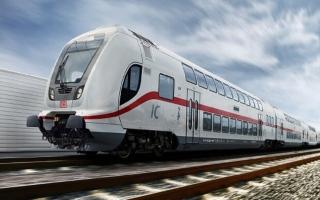 الصورة: ينجو من الموت دهسا تحت القطار بأعجوبة.. فيديو