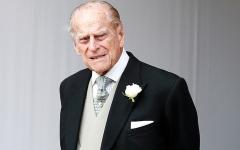 الصورة: الأمير فيليب كان يذهب إلى الأصدقاء هرباً من الحياة الملكية