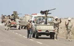 الصورة: استسلام كتيبة حوثية من «اللواء 417» للجيش اليمني في الجوف