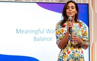 الصورة: التوازن بين العمل والحياة الأسرية ضمن جلسات منتدى المرأة العالمي