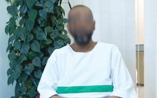 الصورة: «فيصل» مسجون على ذمة قضية مالية بـ115 ألف درهم