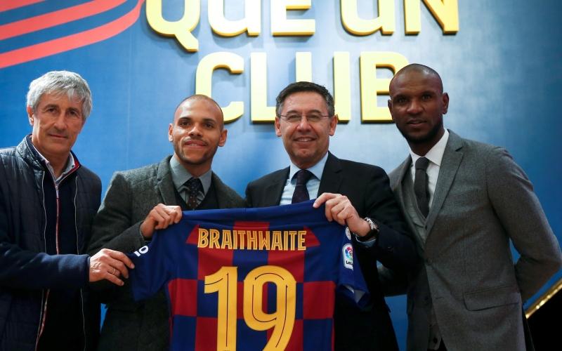 الصورة: بالفيديو.. إحراج وفشل للاعب برشلونة الجديد في يوم تقديمه