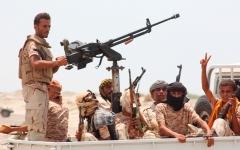 الصورة: مقاتلات التحالف تستهدف مواقع للميليشيات في صعدة والجوف وصنعاء