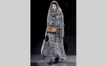 الصورة: «كورونا» يهدد أسبوع الموضة في إيطاليا.. عروض بلا جمهور