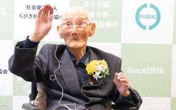 الصورة: «غينيس» تكشف عن هويّة أكبر رجل في العالم