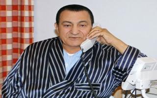 الصورة: إلهام شاهين في وداع حسني مبارك: نعتذر لك سيادة الرئيس