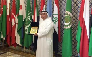 الصورة: إماراتي يفوز بجائزة الطبيب العربي 2020
