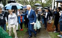الصورة: المرشّحون الأميركيون الرئاسيون يدّعون بطولات زائفة