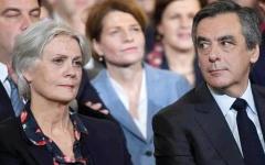 الصورة: رئيس وزراء فرنسي سابق يحاكَم بتهمة إسناده وظيفة وهمية لزوجته