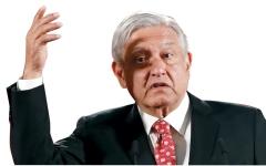 الصورة: رئيس المكسيك يُجبر رجال الأعمال على شراء تذاكر في «يانصيب» وطني