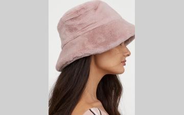 الصورة: قبعة الصيادين تتربع على عرش الموضة