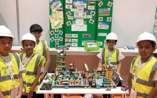 الصورة: 5 طالبات يصمّمن مدينة ذكية للمستقبل