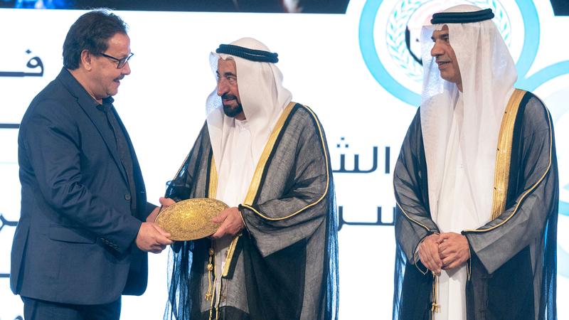 .. ويكرم العمل الفائز بجائزة سلطان القاسمي لأفضل عمل مسرحي عربي. من المصدر