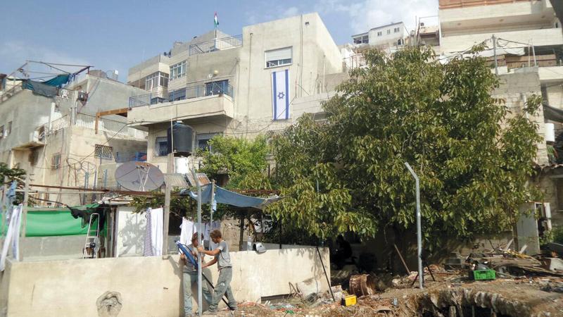أحد منازل المقدسيين في حي بطن الهوى التي سيطرت عليها «عطيرت كوهنيم».   من المصدر