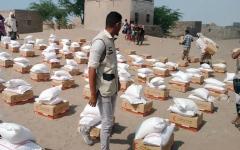 الصورة: 84 ألف يمني في الساحل الغربي يستفيدون من مساعدات الإمارات خلال فبراير