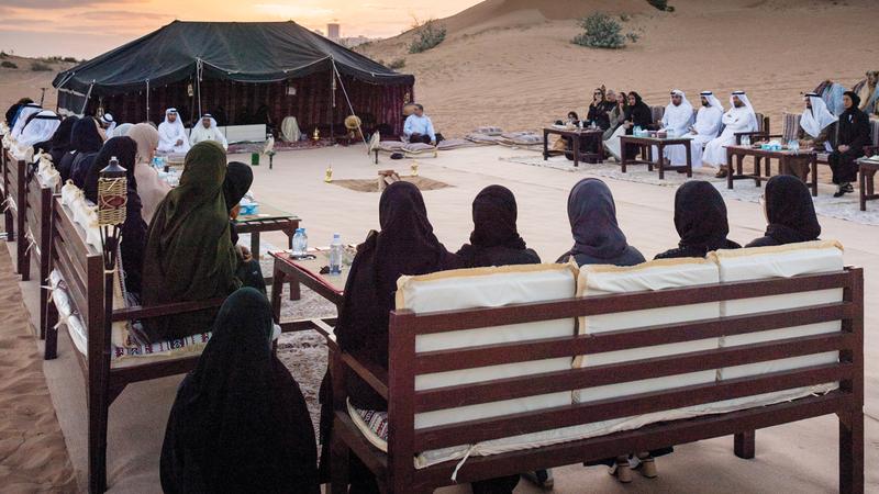 جلسات «حديث النوايف» أقيمت في بر الحليو بإمارة عجمان. من المصدر