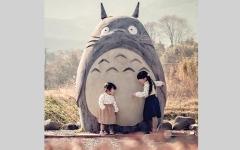 الصورة: شخصية «توتورو» تزين موقف حافلات في اليابان