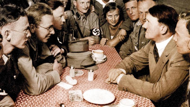 تم استدعاء أدولف هتلر كشاهد في قضية قذف.  ارشيفية
